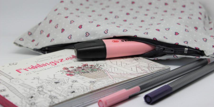 fertiges Diy Mäppchen mit Stiften.
